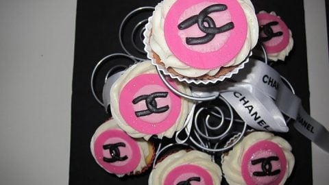 Chanel fashion Cupcakes